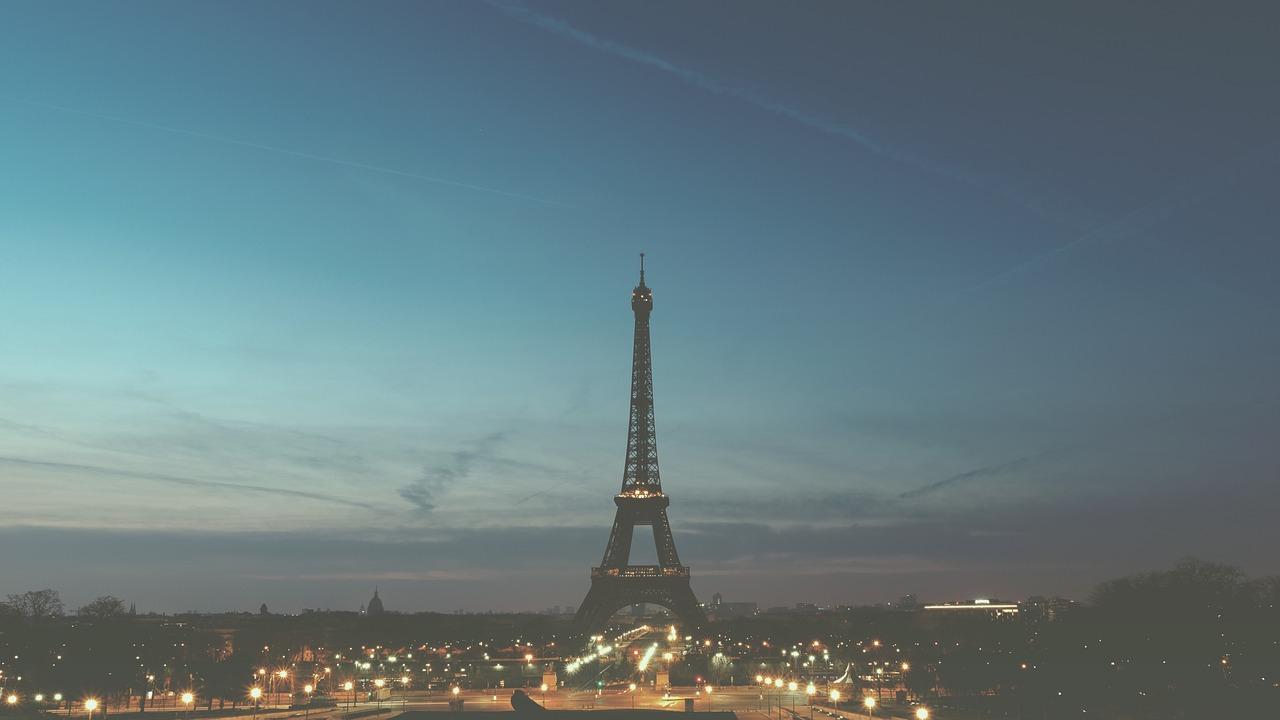 paris-1245970_1280