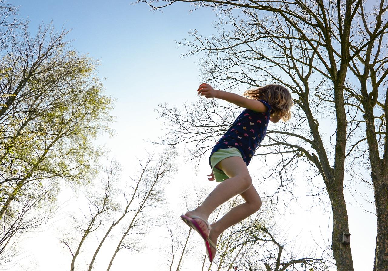 trampoline-2227668_1280
